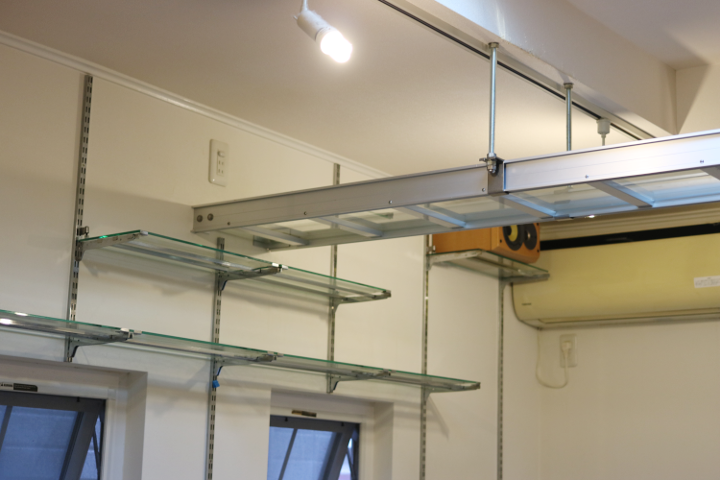 猫茶屋さんの天井のキャットウォーク